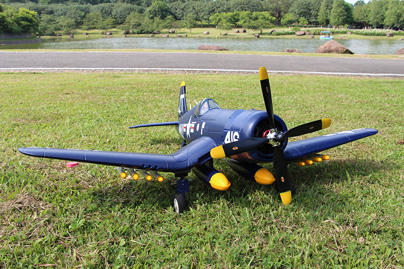 Unique Models F4U-4 Corsair 1200mm - 712.5KB